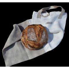 Pane in sacchetto di canapa